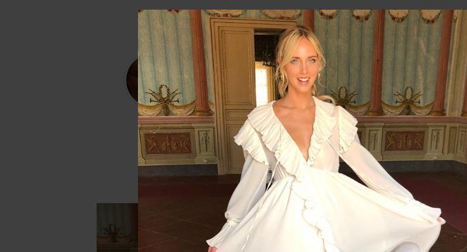 informazioni per db145 b9f80 Abito da sposa Chiara Ferragni che veste Dior: è l'abito dei ...