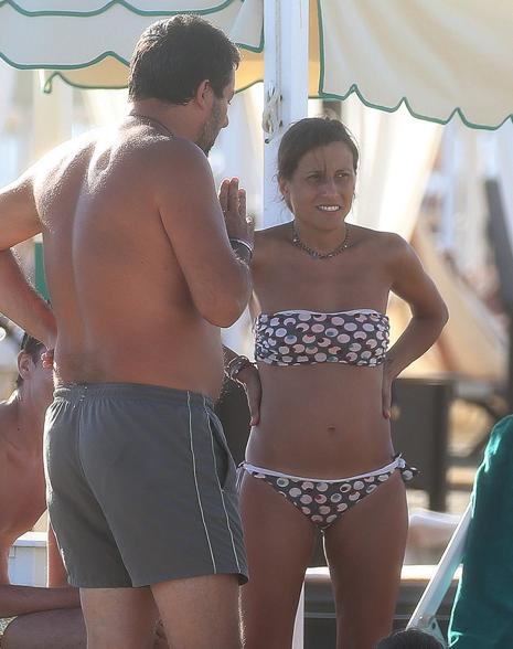 Matteo Salvini al mare con l'ex compagna e la figlia, a Marina di Pietrasanta Elisa Isoardi non c'è (Foto)