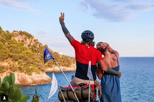 Vittorio Brumotti, frecciatina a Giorgia Palmas mentre dichiara il suo amore per Annachiara (Foto)