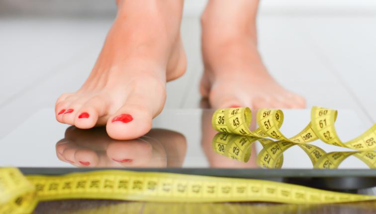 La dieta di agosto è fresca e fa dimagrire in tre giorni: cosa mangiare 5 volte al giorno
