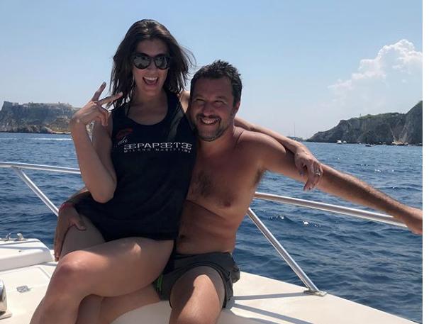 Elisa Isoardi e Matteo Salvini alle Isole Tremiti, proseguono le vacanze tra sole e amore (Foto)