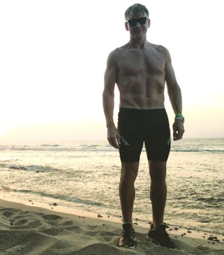 Gordon Ramsay ha perso 18 chili, la dieta e la motivazione emotiva lo hanno trasformato (Foto)