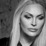 Anna Oxa, i concerti annullati per problemi di salute: la cantante costretta al riposo (Foto)