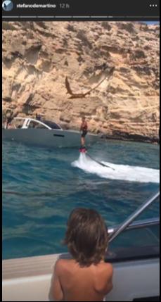 Belen e Stefano De Martino si divertono nelle acque di Ibiza (Foto)