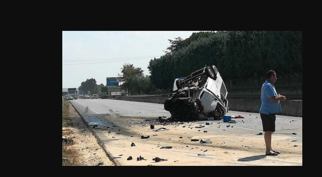 A Foggia ancora un camion di braccianti contro un tir: 10 i morti