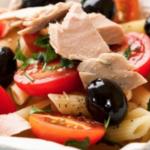 Ricette estive: pasta fredda con tonno e pomodorini
