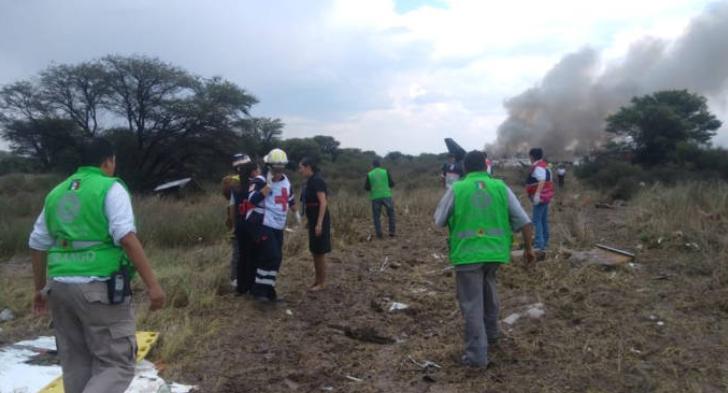 Aereo si schianta pochi minuti dopo la partenza: nessun morto, miracolo in Messico