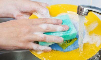 come lavare i piatti correttamente