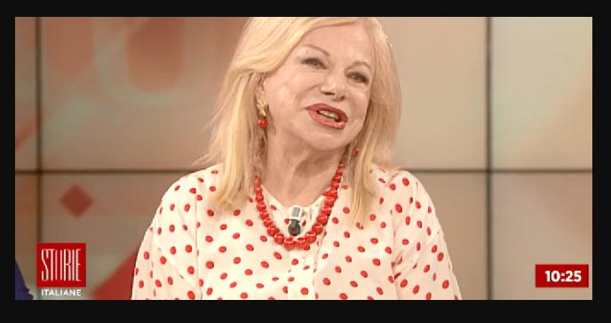 """Sandra Milo a Storie Italiane: """"Paura di restare senza soldi"""". Poi balla in diretta"""