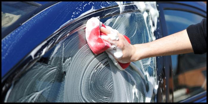 come lavare l'auto