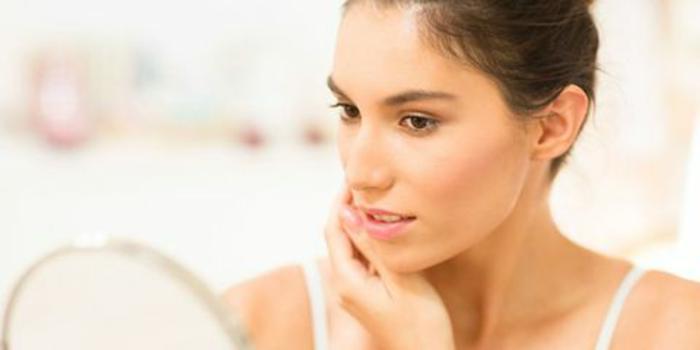contrastare l'acne in inverno