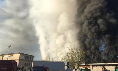roma incendio centro rifiuti salario