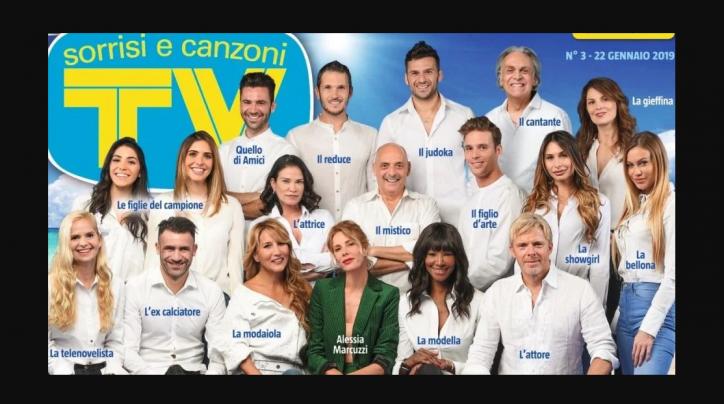 6a579d33ba Isola dei famosi 2019: la prima foto ufficiale del cast al completo ...