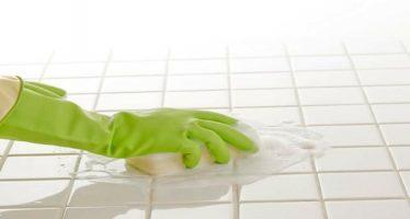 come pulire le piastrelle del bagno