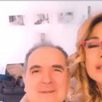 """Barbara d'Urso e Lamberto Sposini sorridenti sui social. La conduttrice: """"Ci amiamo"""""""