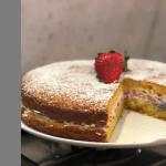 Ricette Benedetta Parodi: prepariamo la torta yogurt e fragole