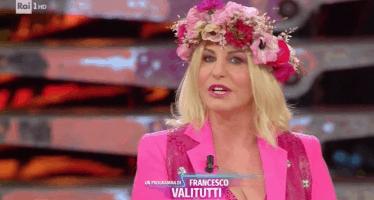 Antonella Clerici in rosa