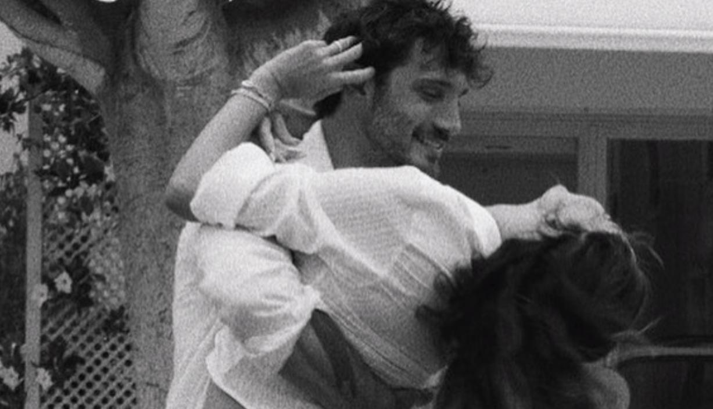 Belen e Stefano De Martino emozionano con la loro felicità a Ibiza (Foto)