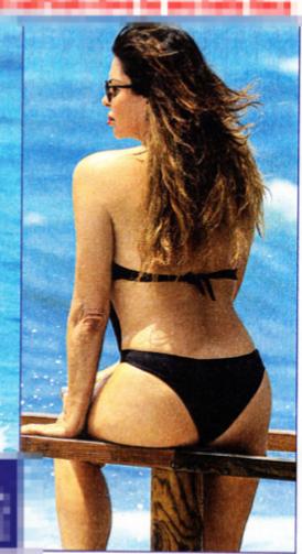 Alba Parietti in topless alla sua età supera ancora una volta la prova costume (Foto)