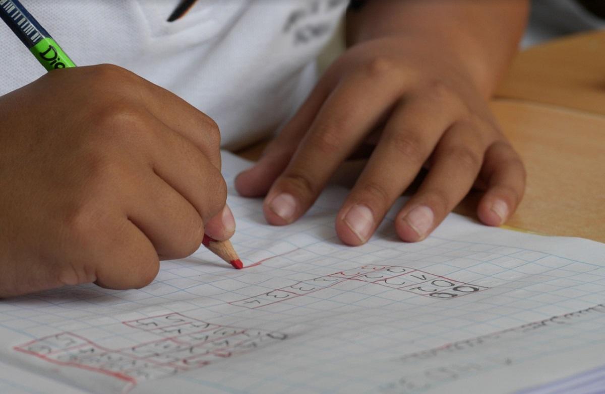 bambini compiti vacanze