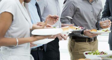 mangiare in piedi fa dimagrire