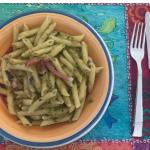 Ricette facilissime per l'estate: pasta fredda pesto di zucchine e speck