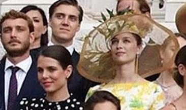 Le nozze di Louis Ducruet: i tre abiti della sposa e quelli indossati da Stephanie, Charlotte e Beatrice (Foto)