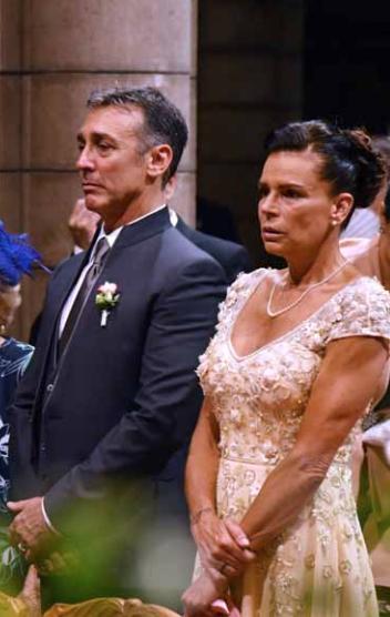 L'album di nozze del figlio di Stephanie di Monaco: Louis, Marie e che meraviglia la famiglia al completo (Foto)
