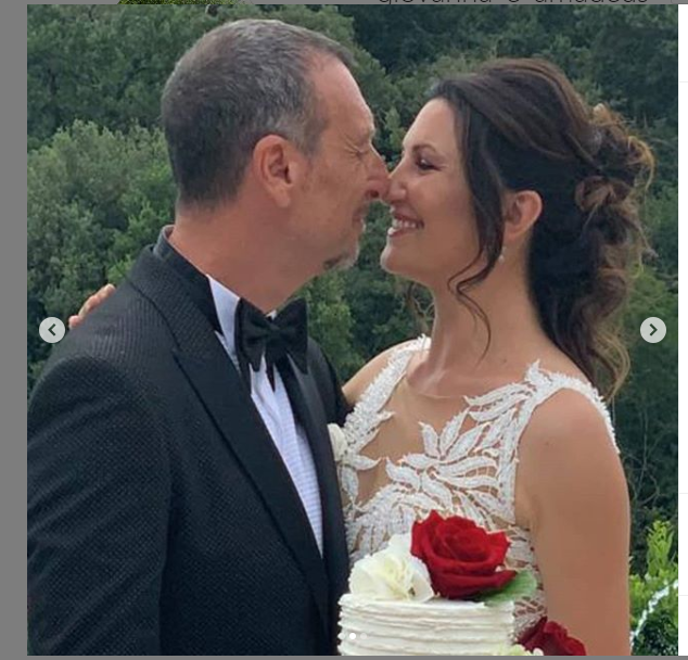Giovanna e Amadeus festeggiano il loro mesiversario dopo il matrimonio in chiesa: l'amore vince sempre