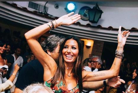 Briatore canta per Elisabetta Gregoraci, a Capri continua a corteggiare l'ex moglie (Foto)