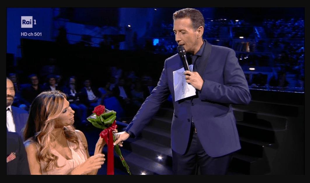 La dolce dedica di Alessandro Greco a Beatrice Bocci nella finale di Miss Italia 80