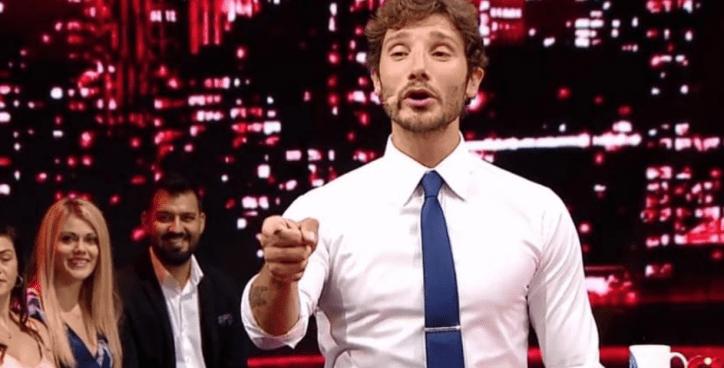 Stefano De Martino conduttore criticato: Costanzo difende l'ex ballerino