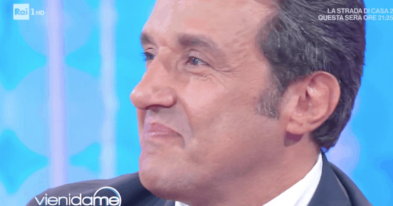 Flavio Isinna fa piangere Caterina Balivo a Vieni da me (Foto)