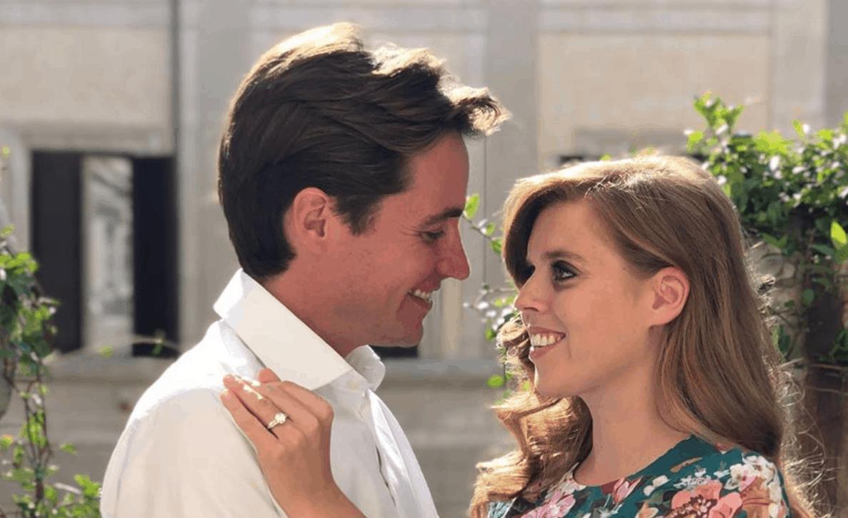 Fidanzamento ufficiale per Beatrice di York ed Edoardo Mapelli Mozzi, a scattare le foto la sorella Eugenie