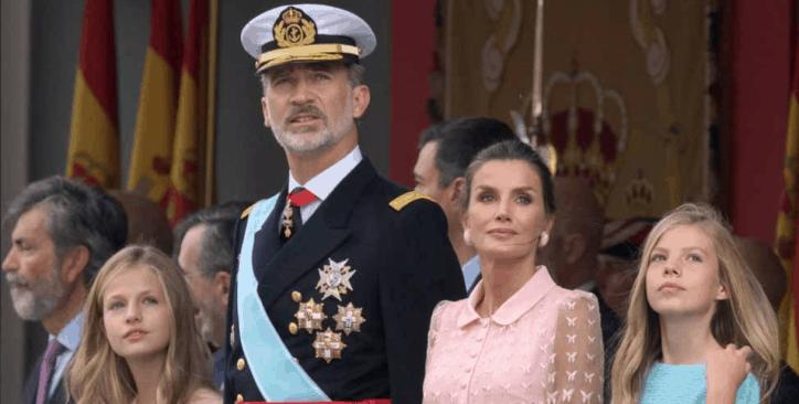 letizia di Spagna in rosa