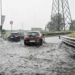 Maltempo al Nord: Milano allagata, a Genova allerta, le ultime