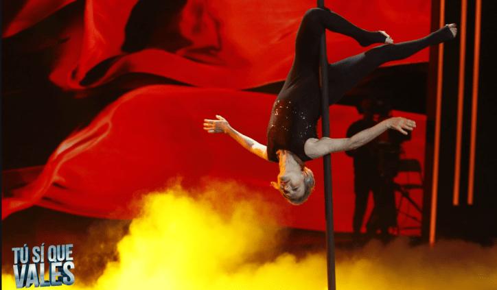 Ritrova la felicità a 67 anni con la pole dance: Belen Rodriguez ...