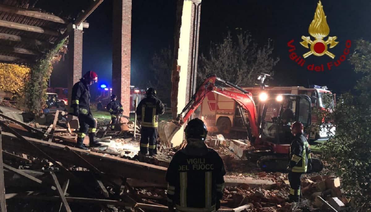 alessandria esplosione morti pompieri