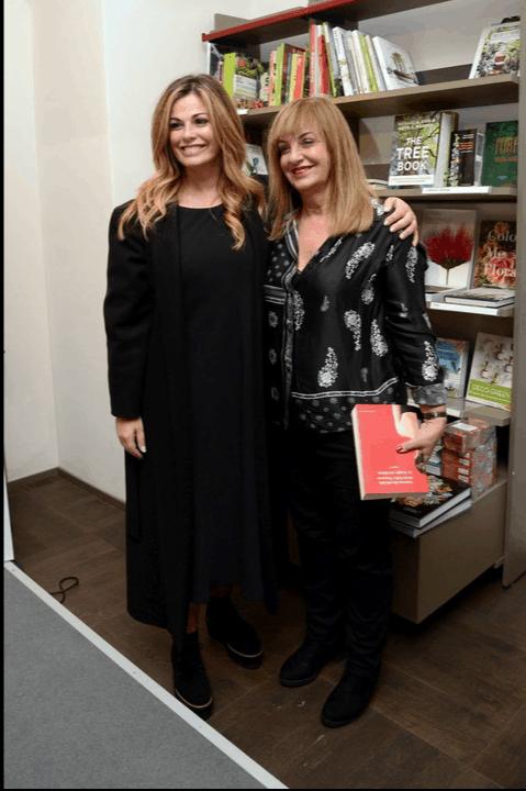 Vanessa Incontrada è bellissima anche dal parrucchiere, pronta con la sua mamma per la presentazione del nuovo libro (Foto)