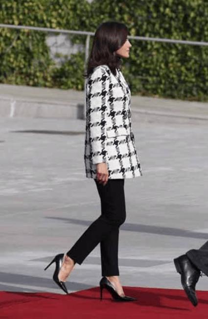 Letizia Ortiz è straordinaria a Cuba con il suo guardaroba perfetto: tutti i look da copiare (Foto)