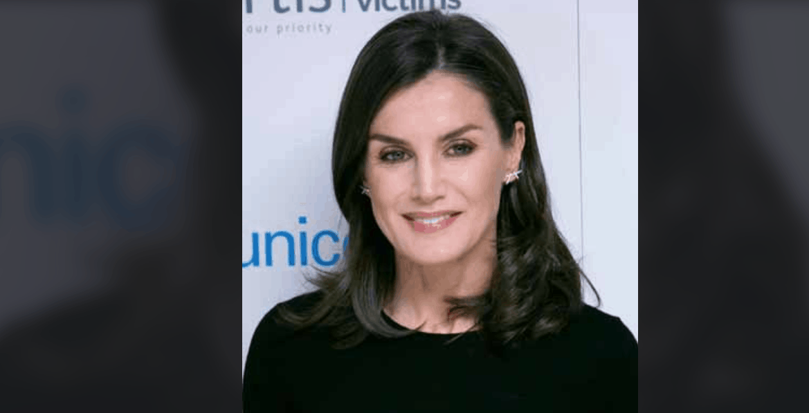 letizia ortiz gonna low cost zara | Ultime Notizie Flash
