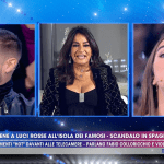 Live-Non è la d'Urso, Aida Nizar vs Violeta Mangrinan: volano parole… e gestacci!