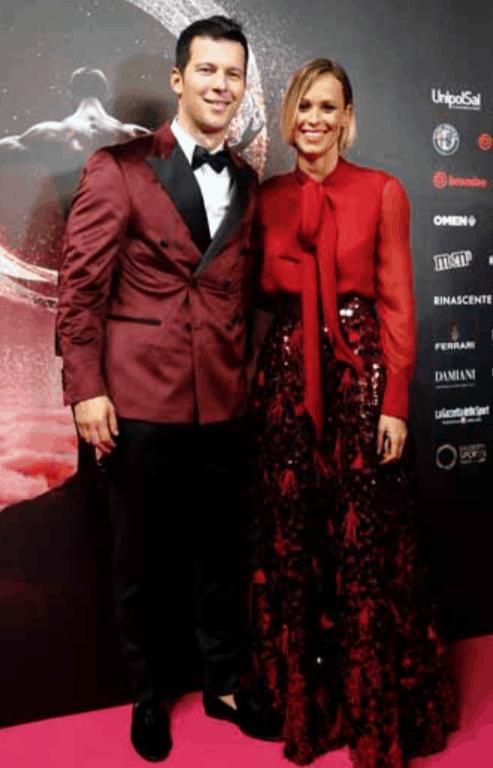 Federica Pellegrini e Matteo Giunta altro red carpet insieme, elegantissimi e innamorati (Foto)