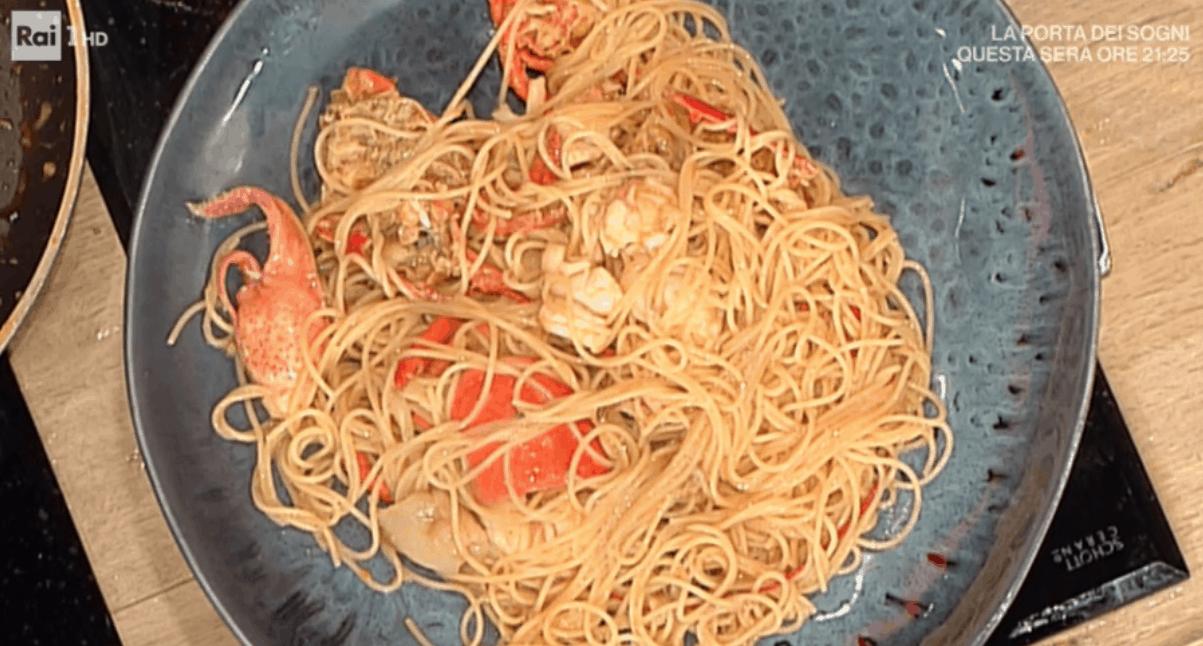 Pascucci per la vigilia di Natale: spaghetti con astice, ricetta La prova del cuoco