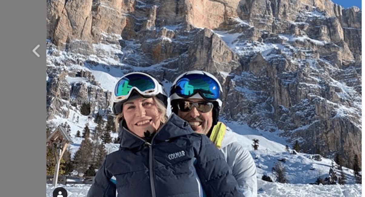 Antonella Clerici festeggia il Capodanno in montagna con Vittorio Garrone e gli amici (Foto)