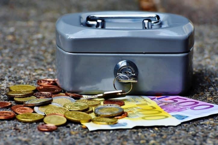 Assegni tagliati per errore dall'INPS, migliaia di pensionati in credito con l'istituto