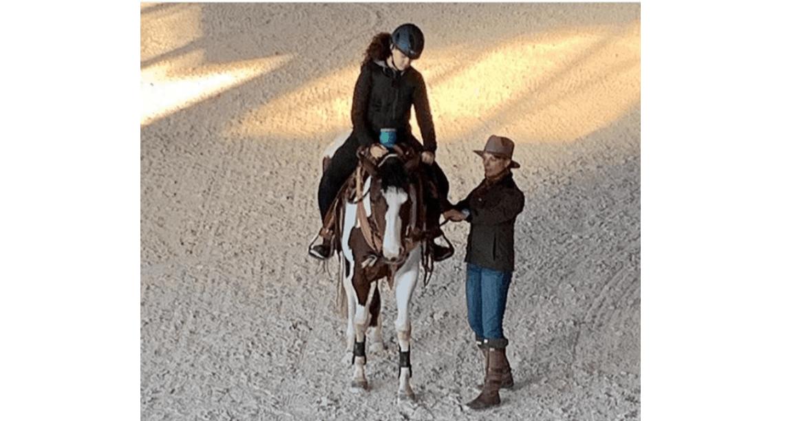 Antonella Clerici e Natalia Estrada insieme per una lezione speciale a cavallo con Maelle (Foto)