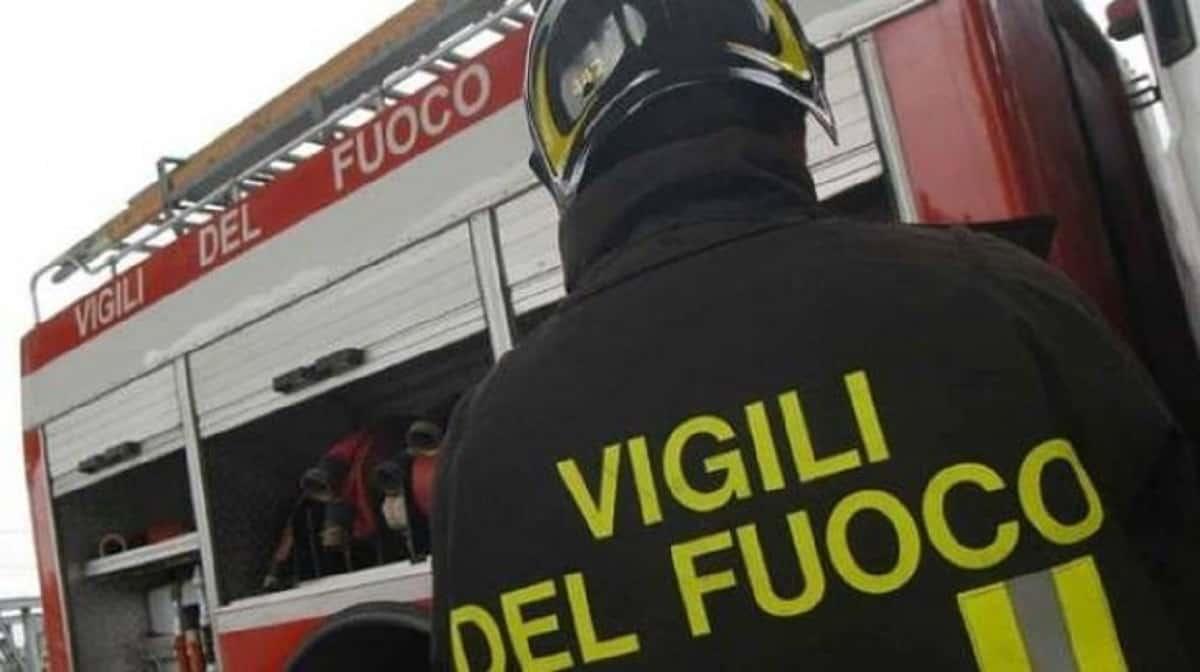 fermo bimba morta incendio madre accusata omicidio