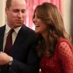 Kate e William bellissimi e felici a Buckingham Palace scelg
