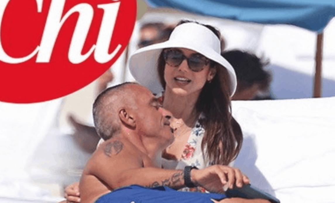 Eros Ramazzotti torna a sorridere con Valentina Bilbao, tutto è iniziato in spiaggia (Foto)